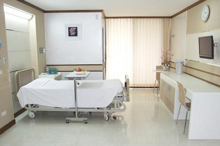Patient's Room - Standard - Yanhee Hospital - Больница «Янхи»